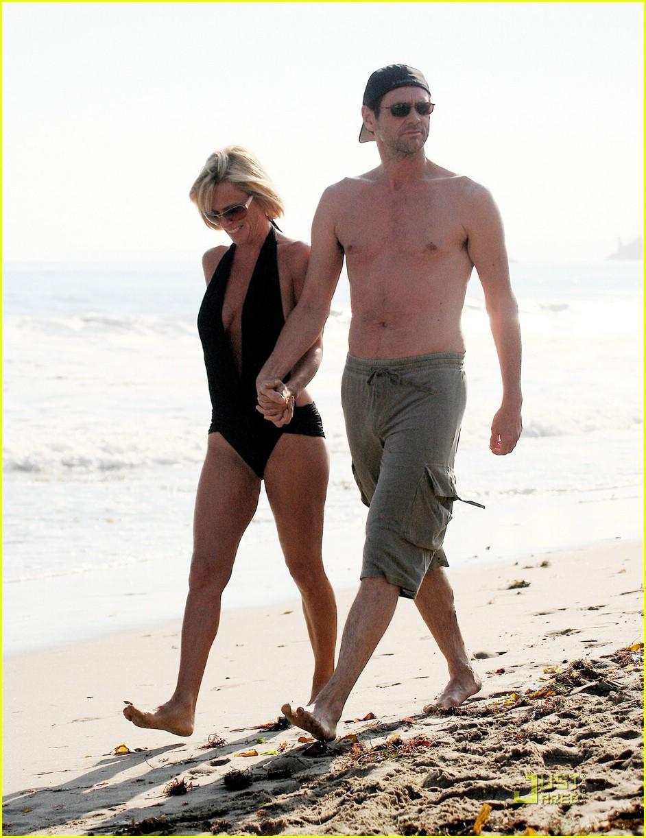 jim carrey jenny mccarthy same swimsuit 09