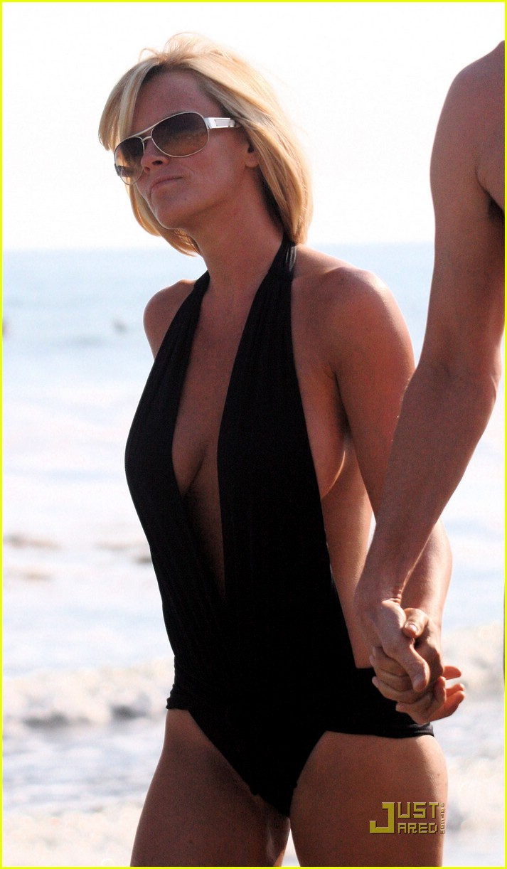 jim carrey jenny mccarthy same swimsuit 10