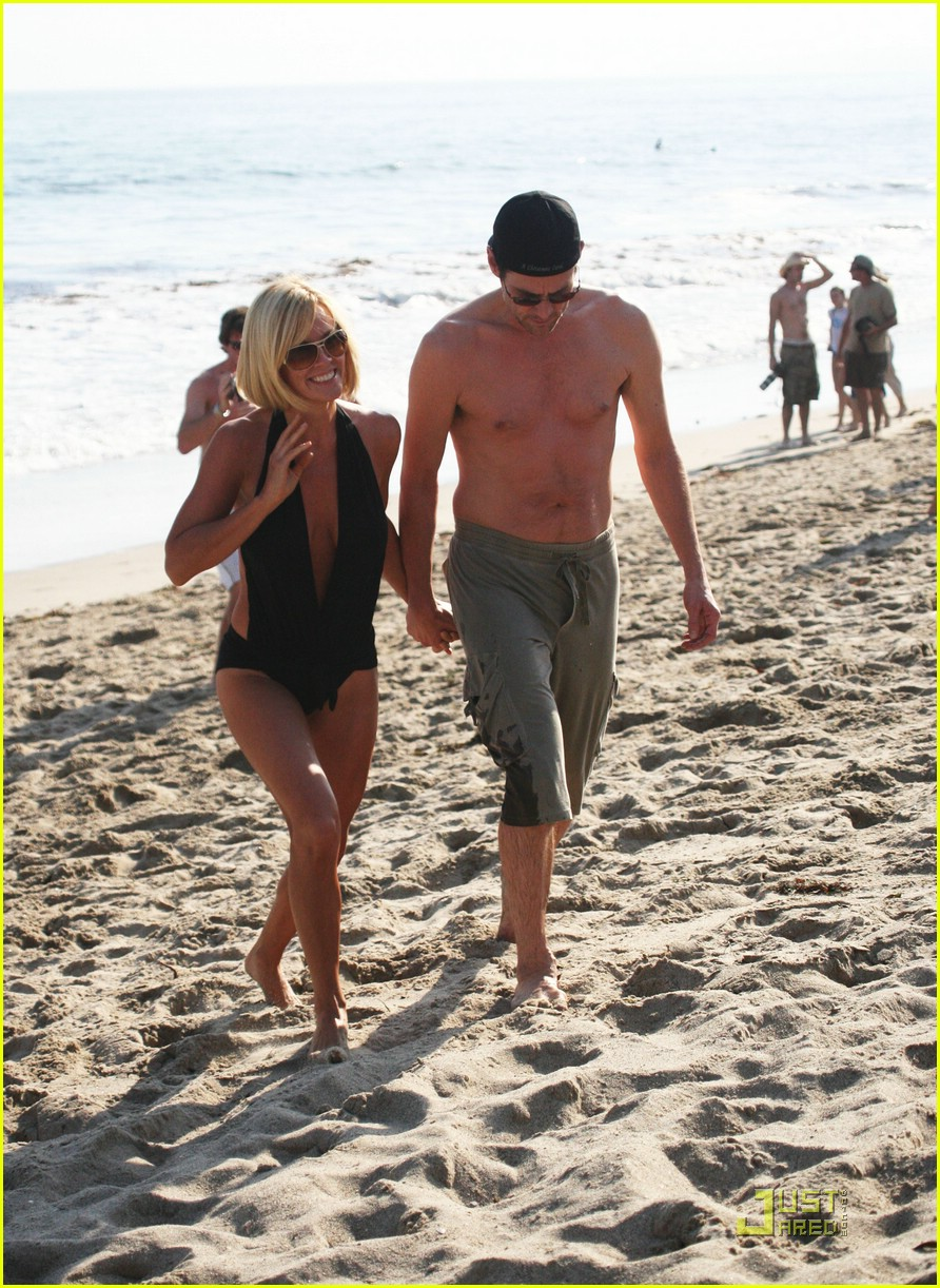 jim carrey jenny mccarthy same swimsuit 15