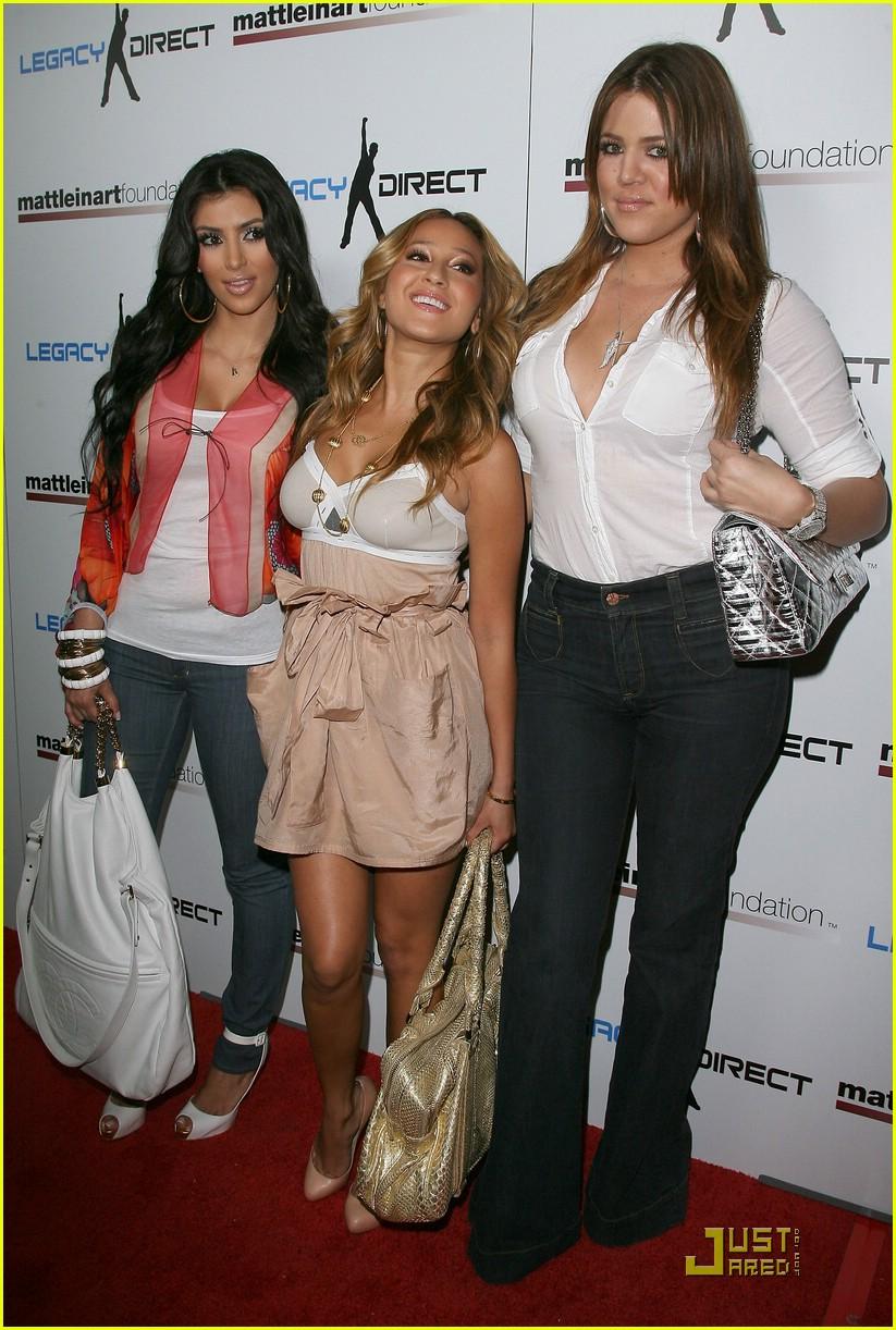 kim kardashian celebrity bowling 01