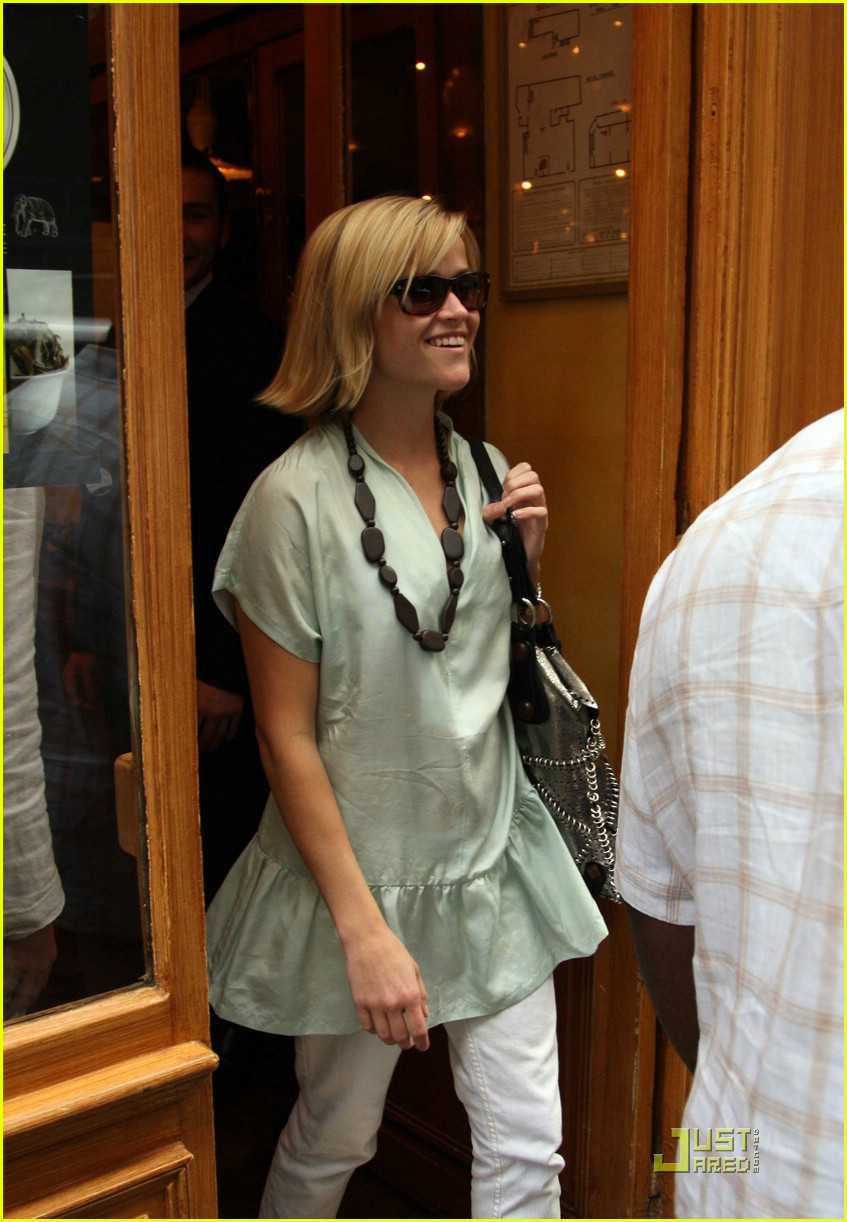 reese witherspoon nina ricci 07
