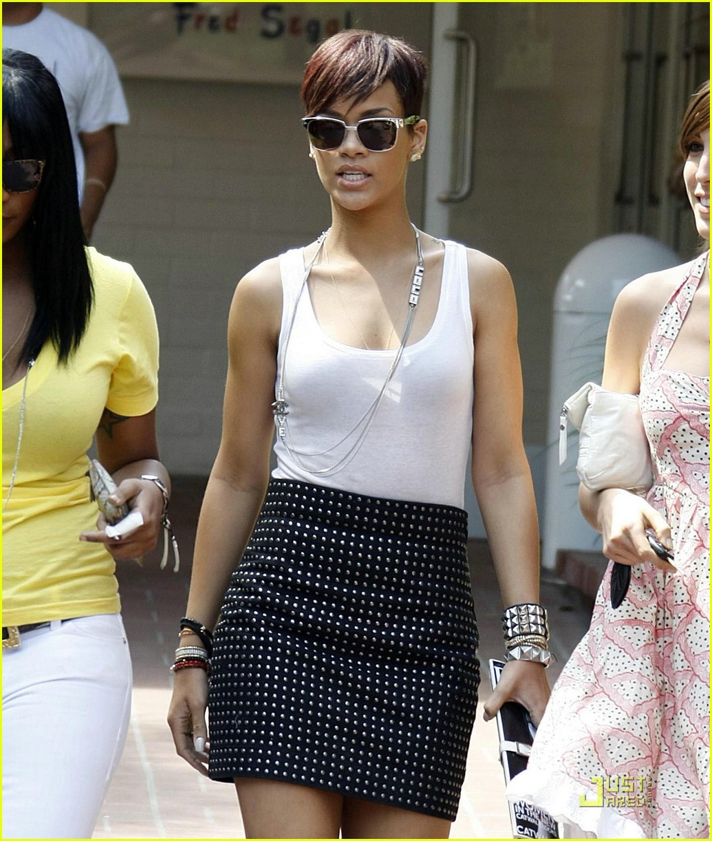 rihanna fred segal 14