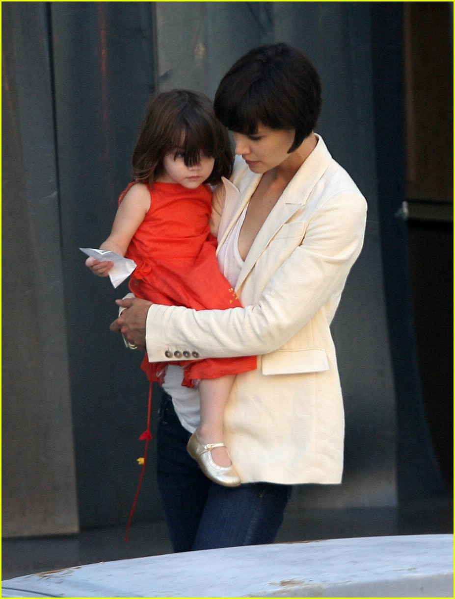suri cruise money 02