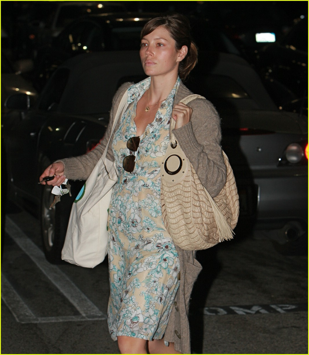 jessica biel baby bump whole foods 06