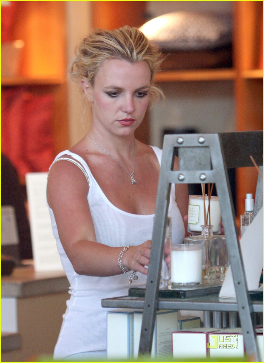 Britney Goes Candle Crazy | britney spears candle crazy 03 - Photo ...