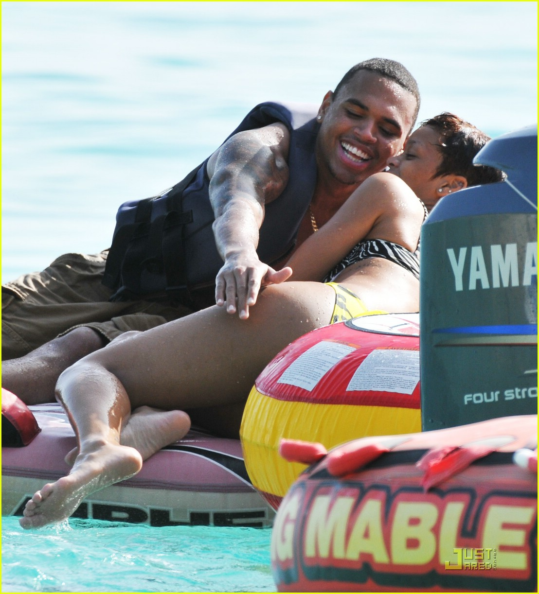 rihanna chris brown barbados 101337491