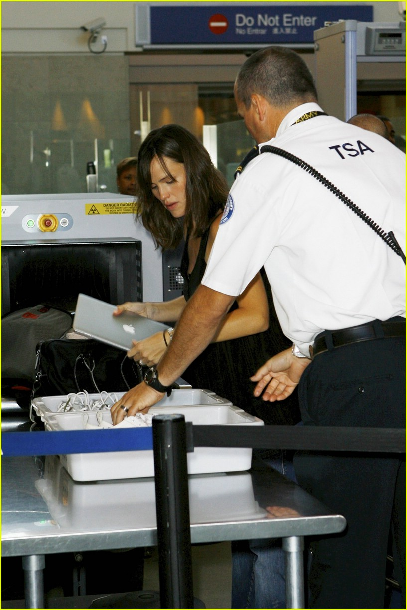 jennifer garner security smile 10