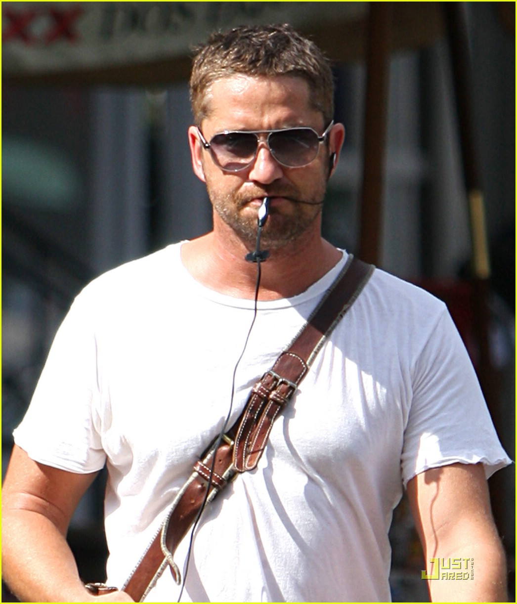 gerard butler headset cell phone 02