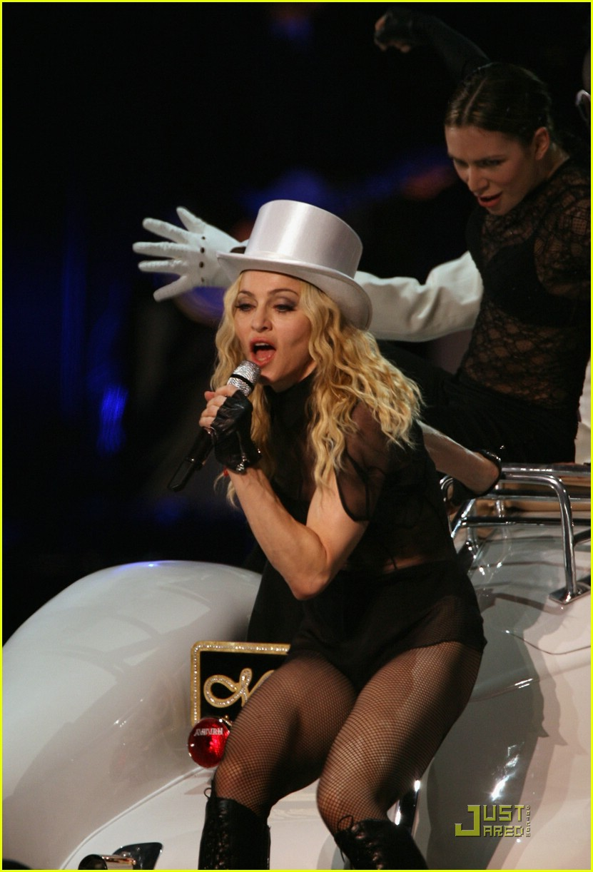 madonna sticky and sweet tour pictures 59
