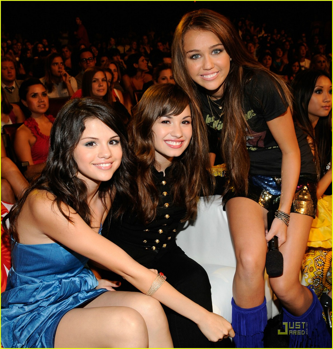 miley cyrus selena gomez teen choice awards 2008 02