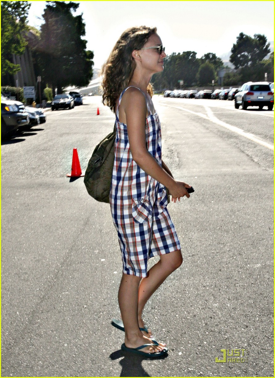 natalie portman plaid pretty 02