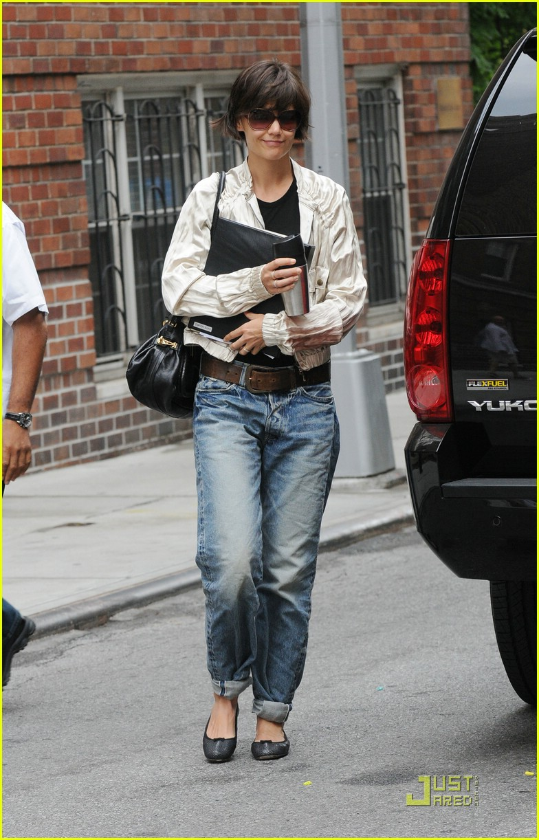 katie holmes pegged jeans 10