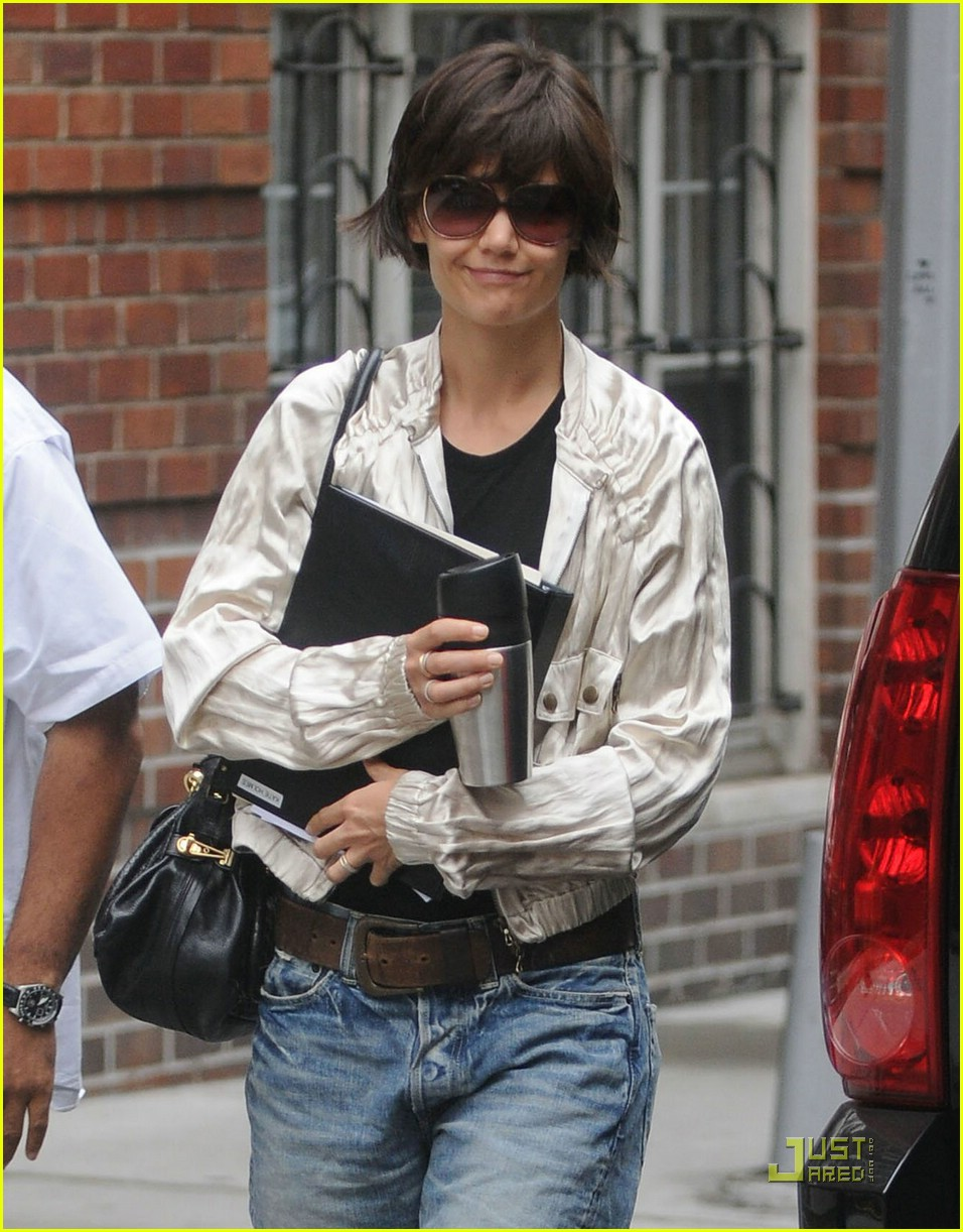 katie holmes pegged jeans 111312141