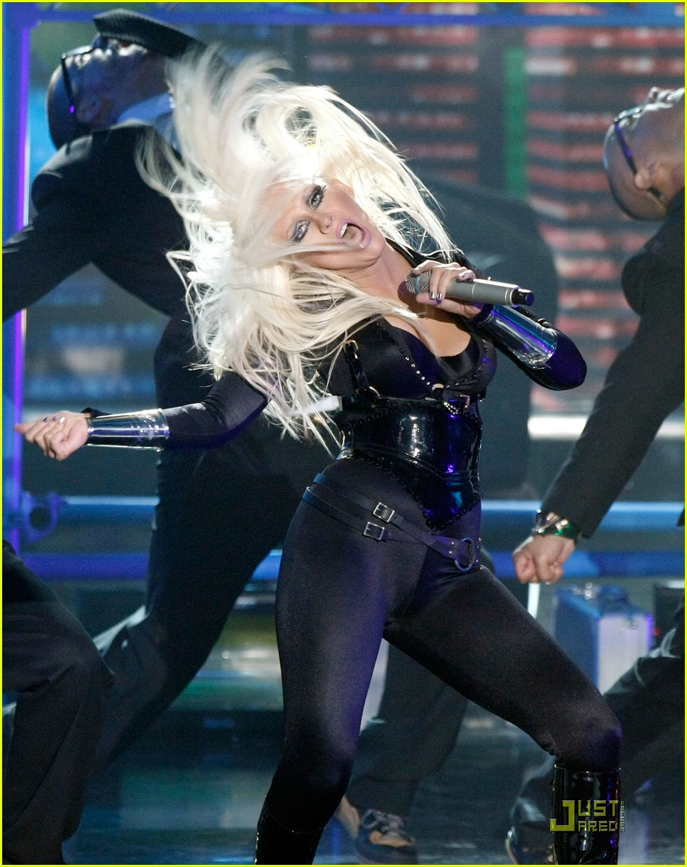 christina aguilera performance 2008 vmas 05