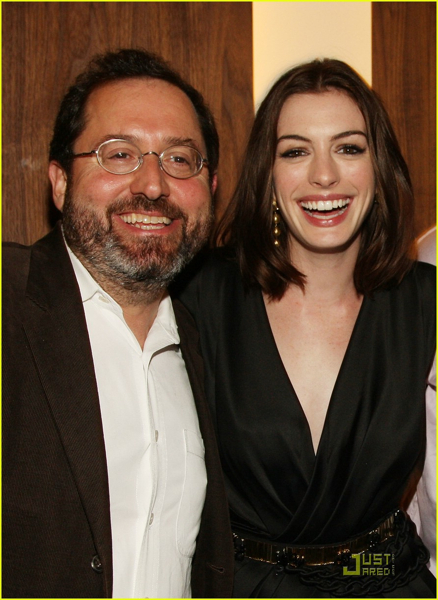 anne hathaway getting married 26