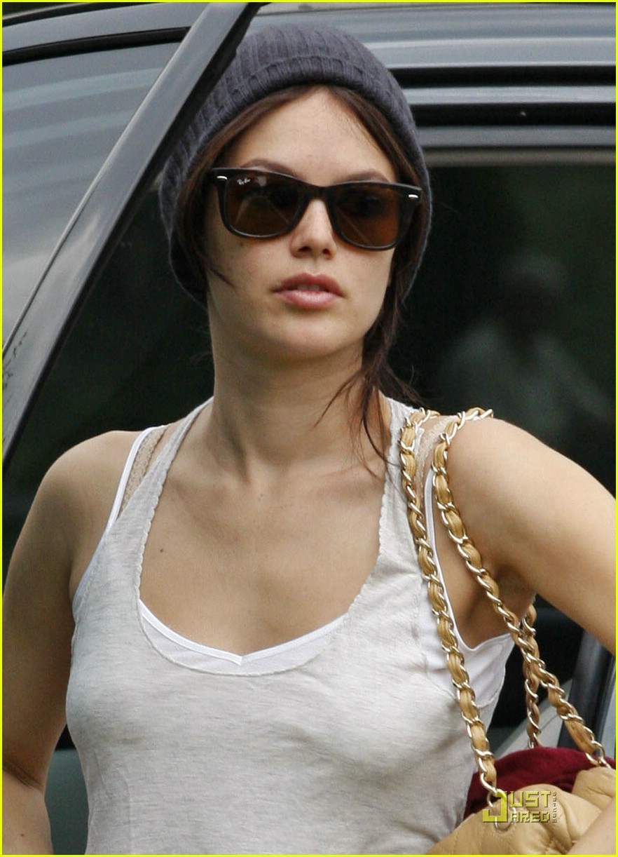 Full Sized Photo of rachel bilson beanie 02 | Photo 1424661 | Just ...: www.justjared.com/photo-gallery/1424661/rachel-bilson-beanie-02...
