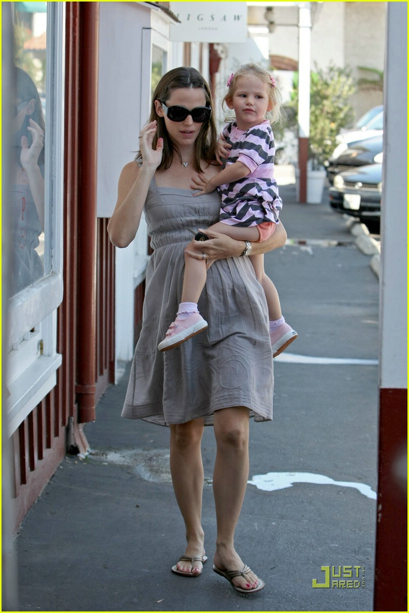 jennifer garner baby shopping 031392051