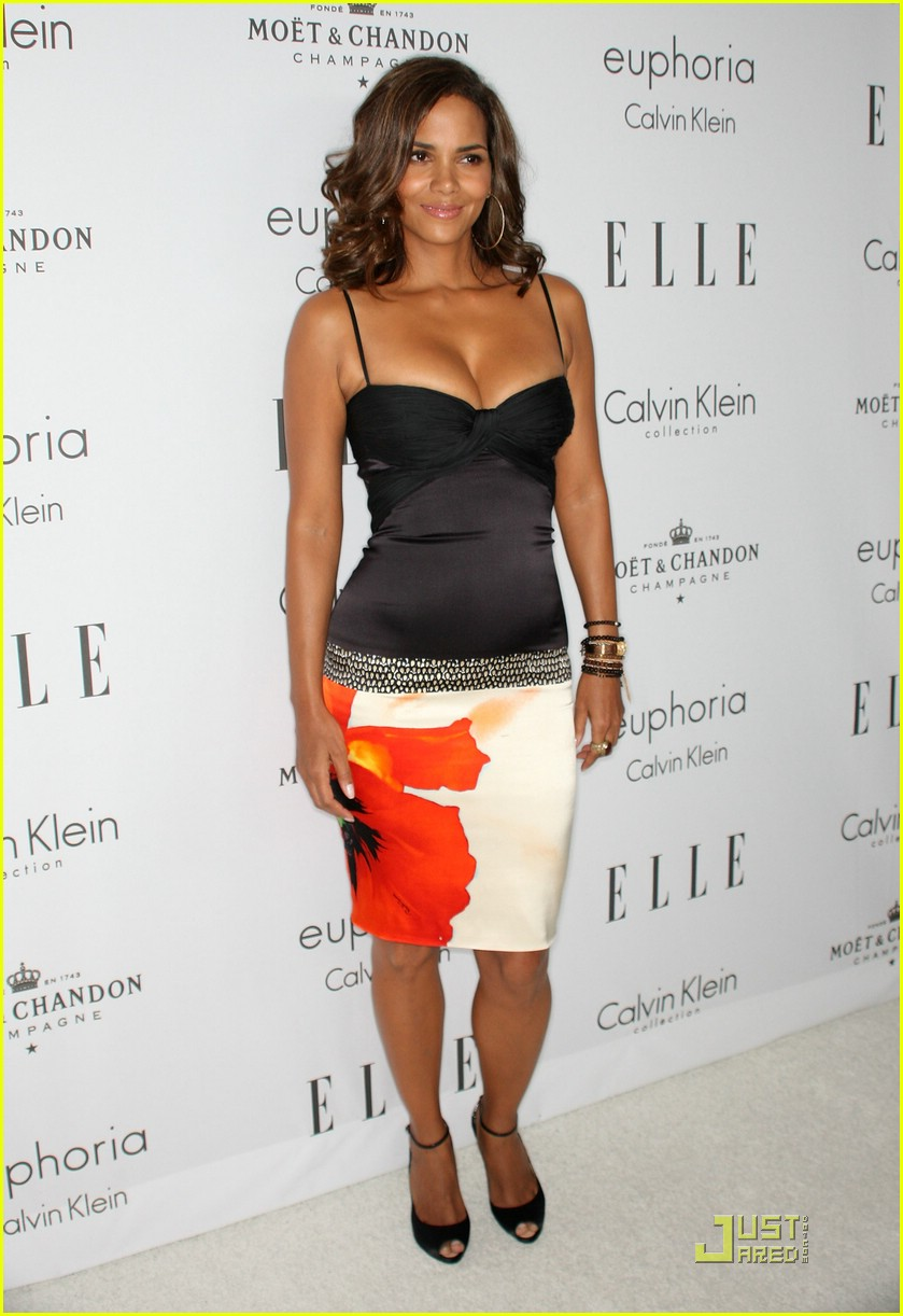 halle berry elle women in hollywood 02