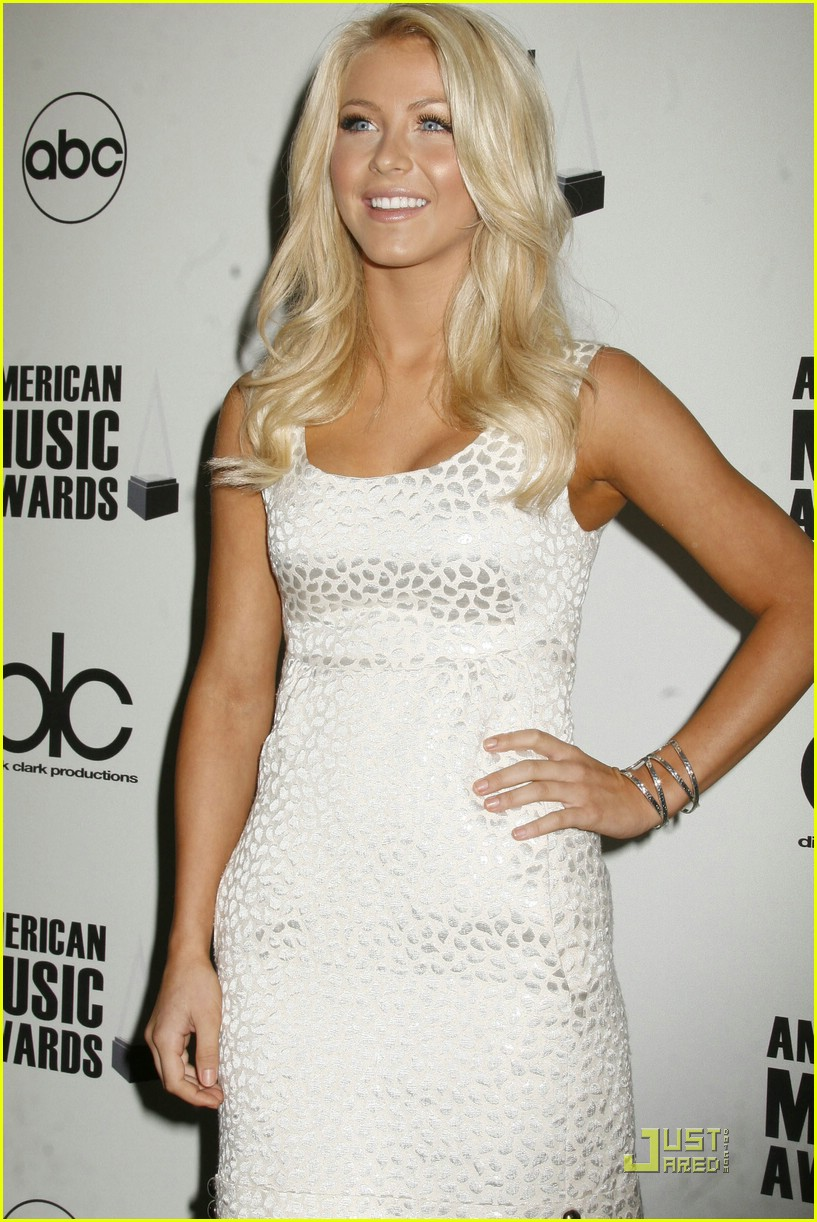 julianne hough ama nominees 22