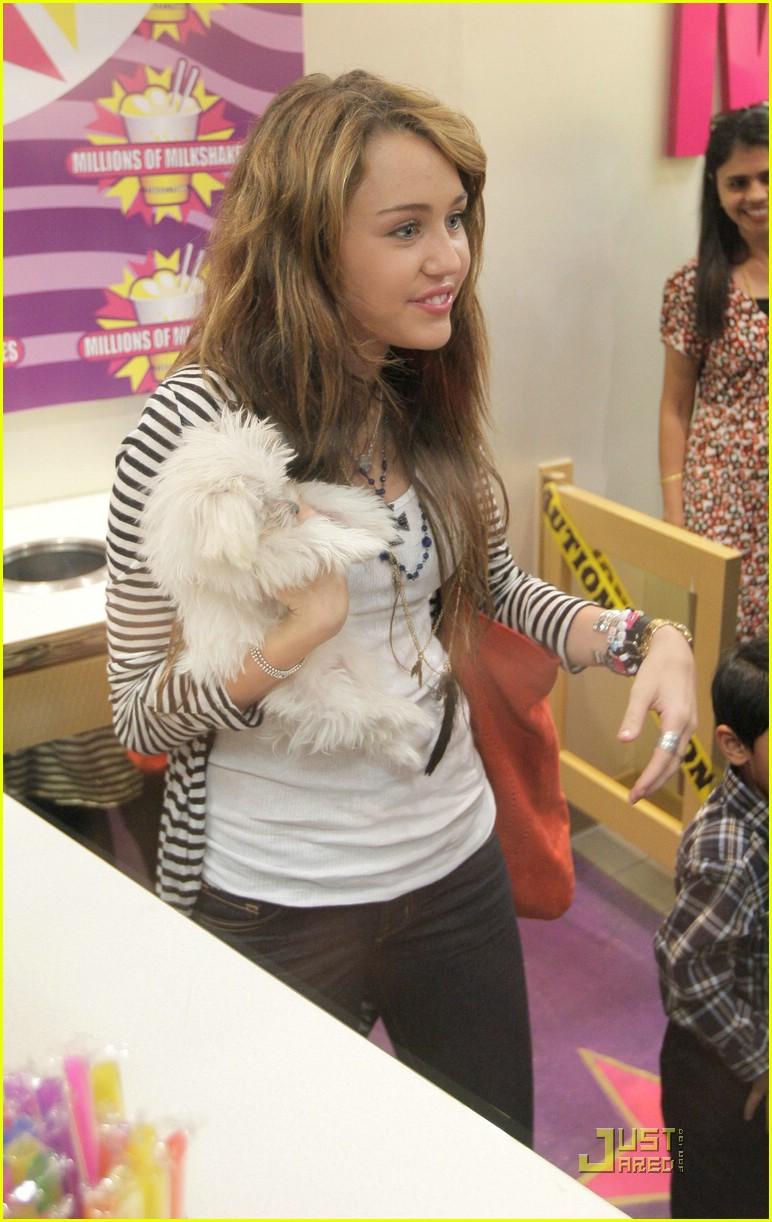 miley cyrus ice cream 11
