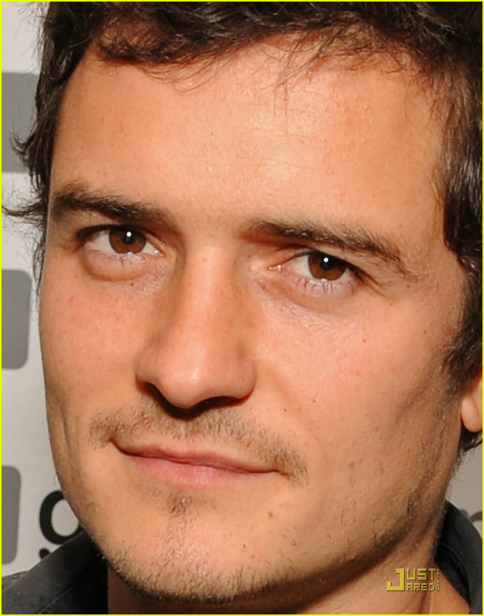 orlando bloom eye color