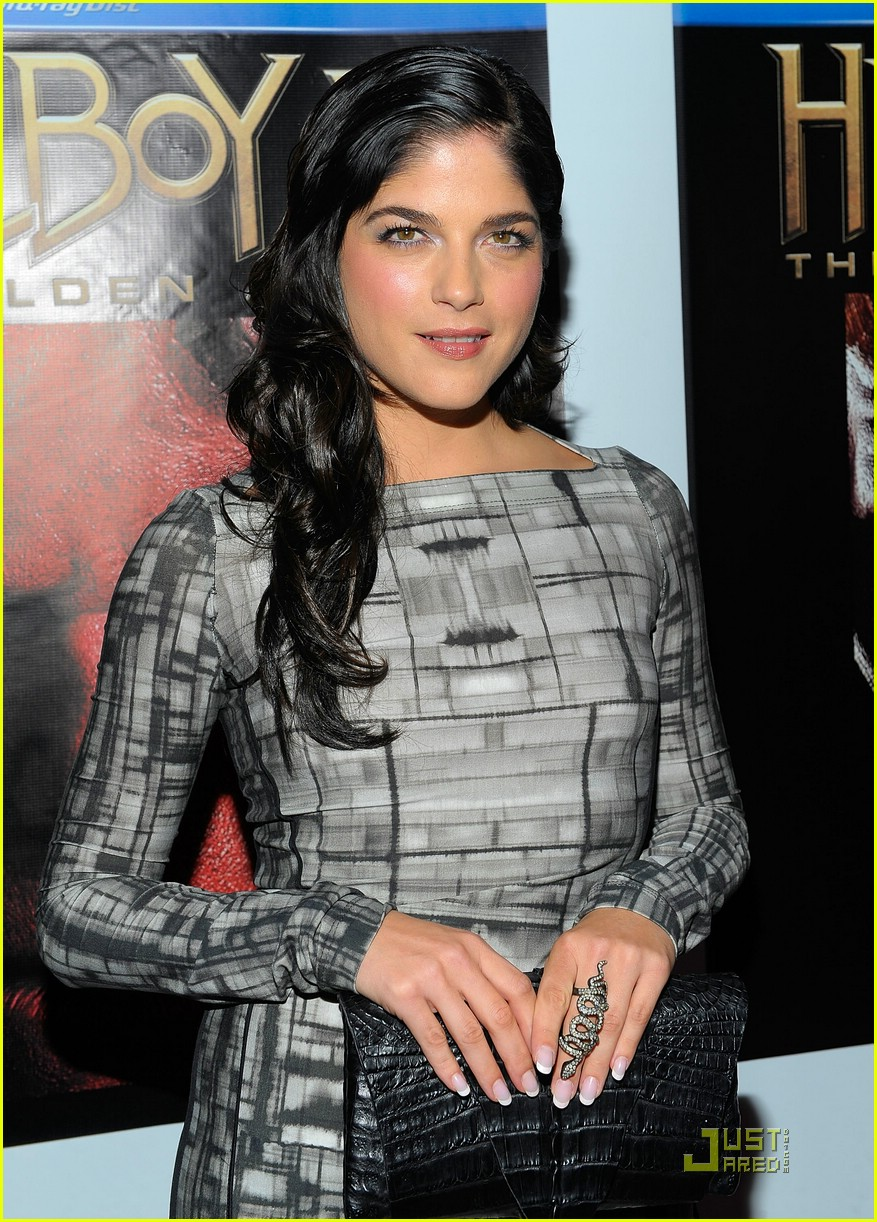 selma blair hellboy 2 22