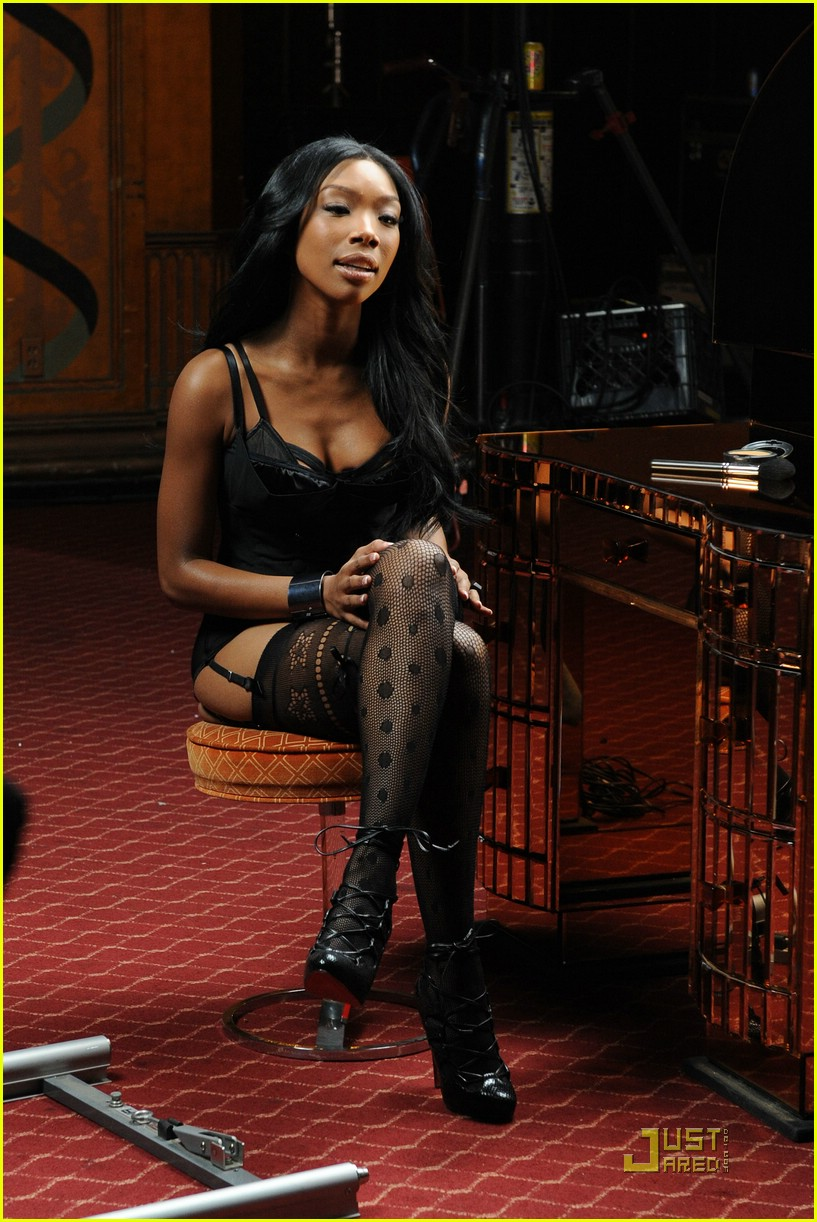 brandy long distance music video 07