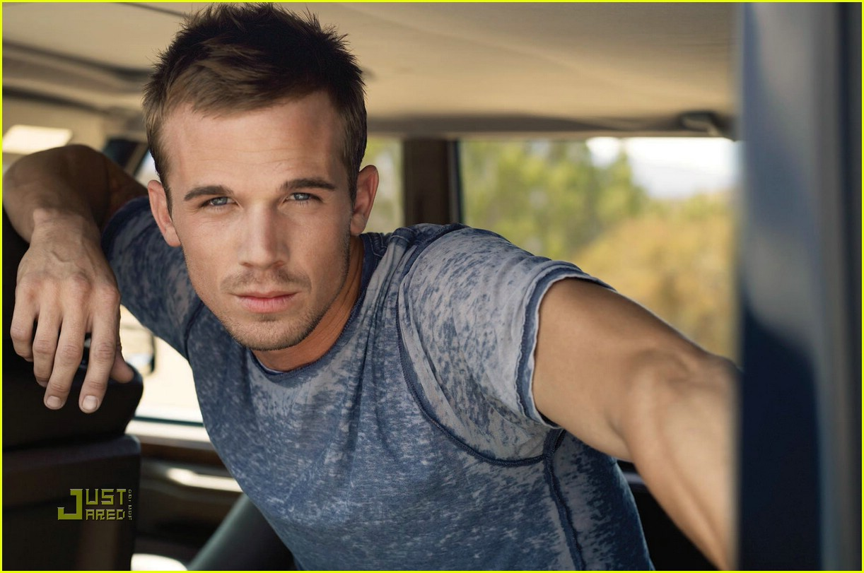 cam gigandet mens health december 2008 01