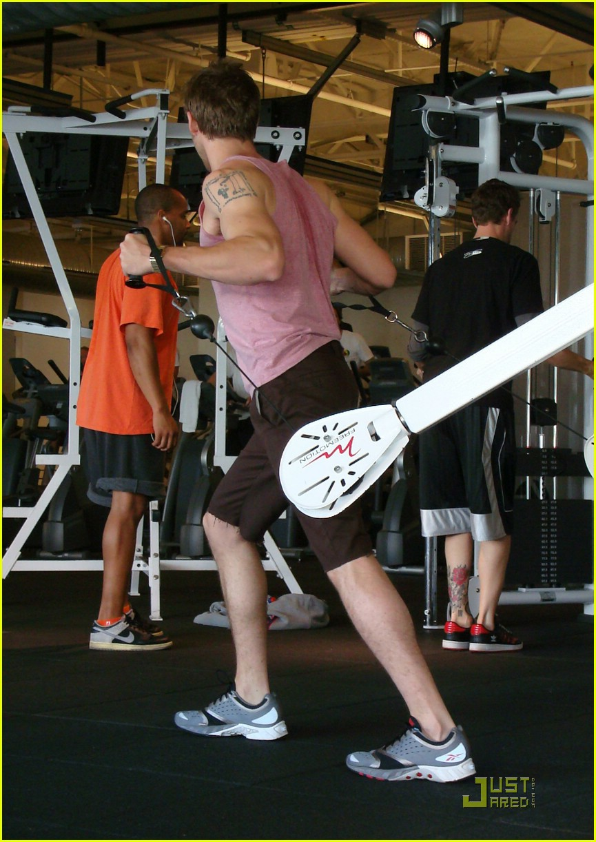 ryan gosling working out 10