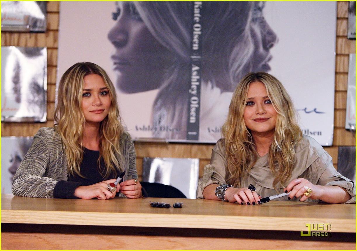 mary kate ashley olsen influence book signing 02