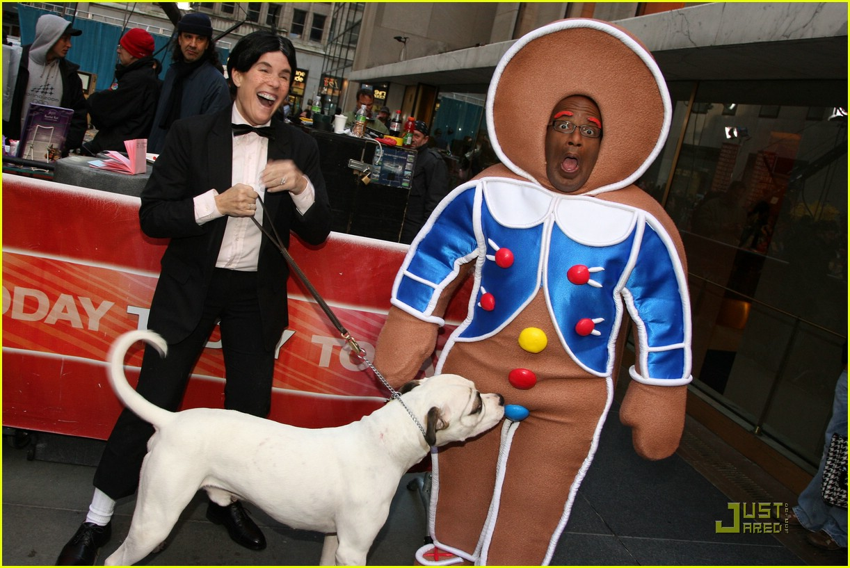al roker gingerbread man dog 01