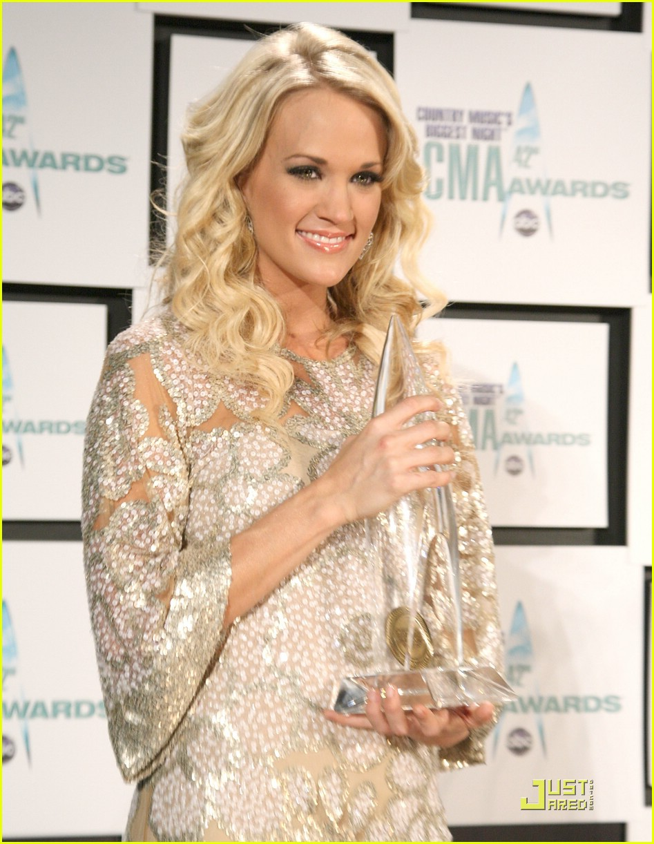 carrie underwood 2008 cma awards 01