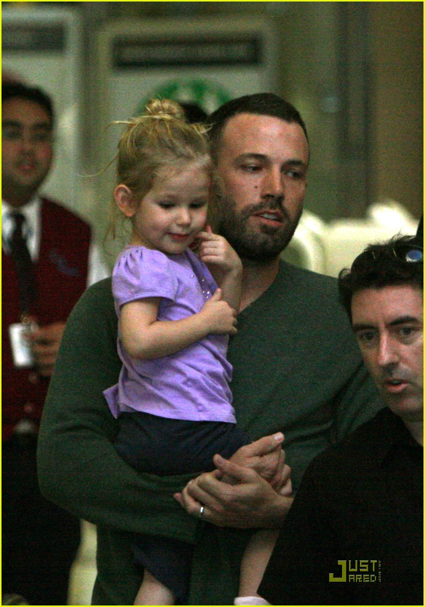 ben affleck shaved head 03
