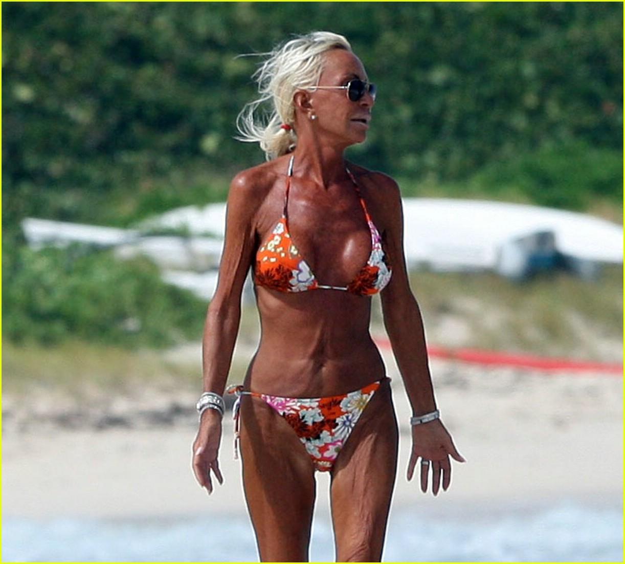donatella versace bikini 03