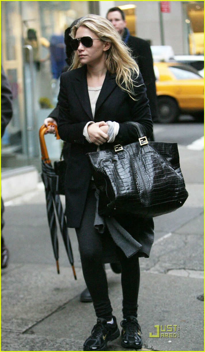 ashley olsen sneakers 021599991