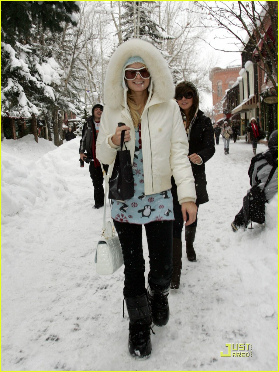 paris hilton aspen christmas 051616171