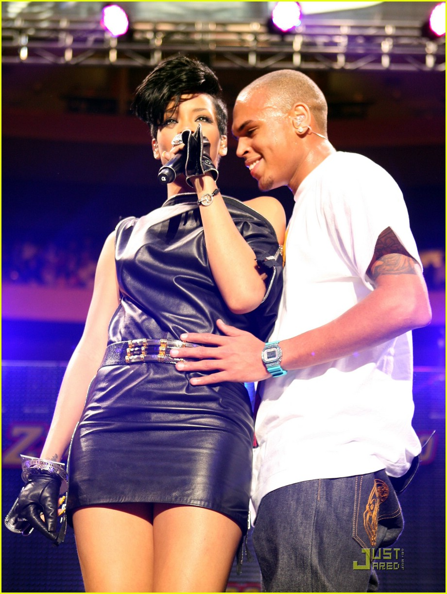 rihanna chris brown 2008 jingle ball 101595001