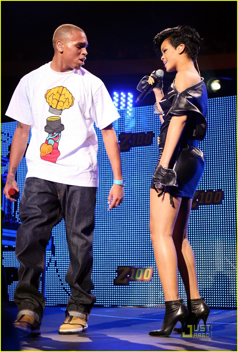 rihanna chris brown 2008 jingle ball 211595111