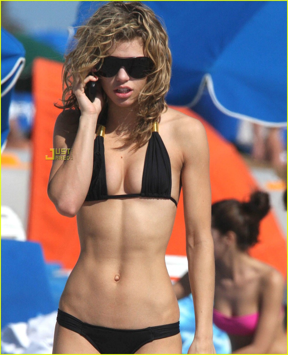 AnnaLynne McCord: Bangin' Bikini Body!!!: Photo 1627891 ... Blake Lively Ring