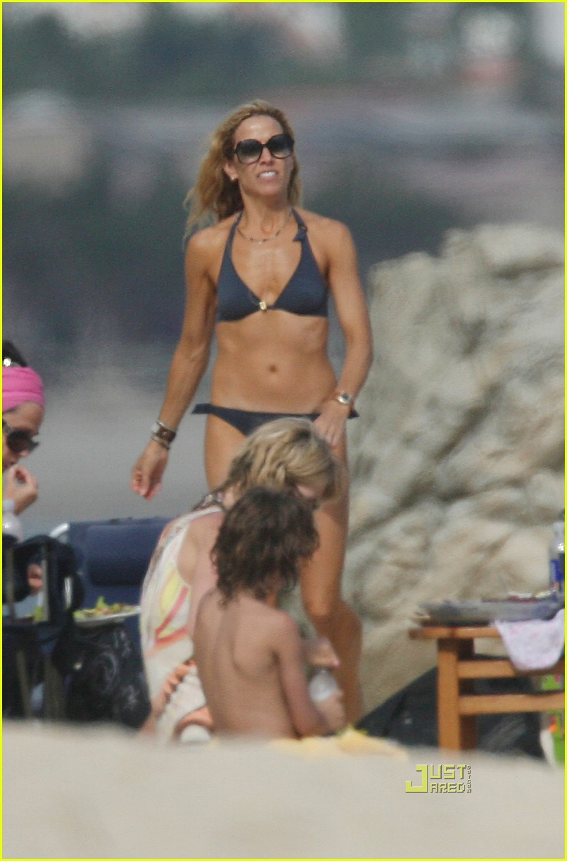 jennifer aniston cabo bikini 04