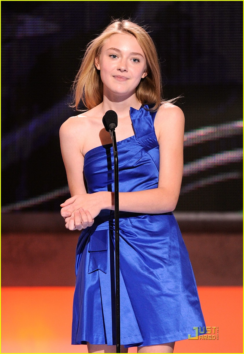 dakota fanning peoples choice awards 2009 06