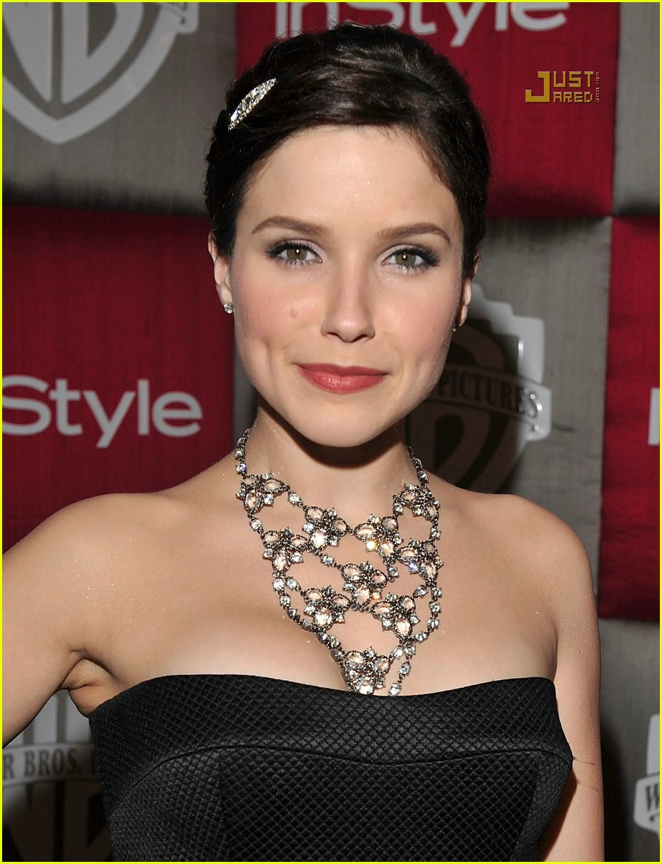 sophia bush golden globes 09