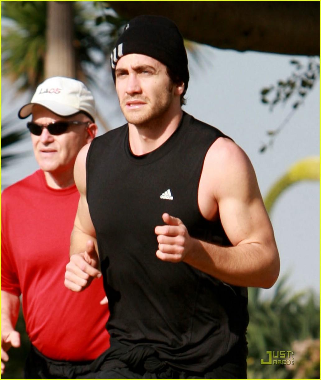 jake gyllenhaal running 09