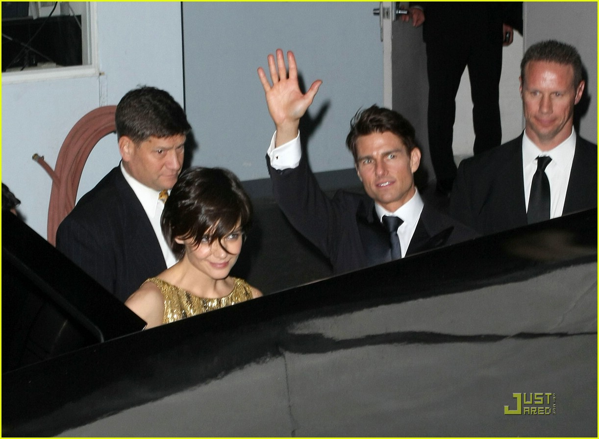 katie holmes golden globes party 051649551