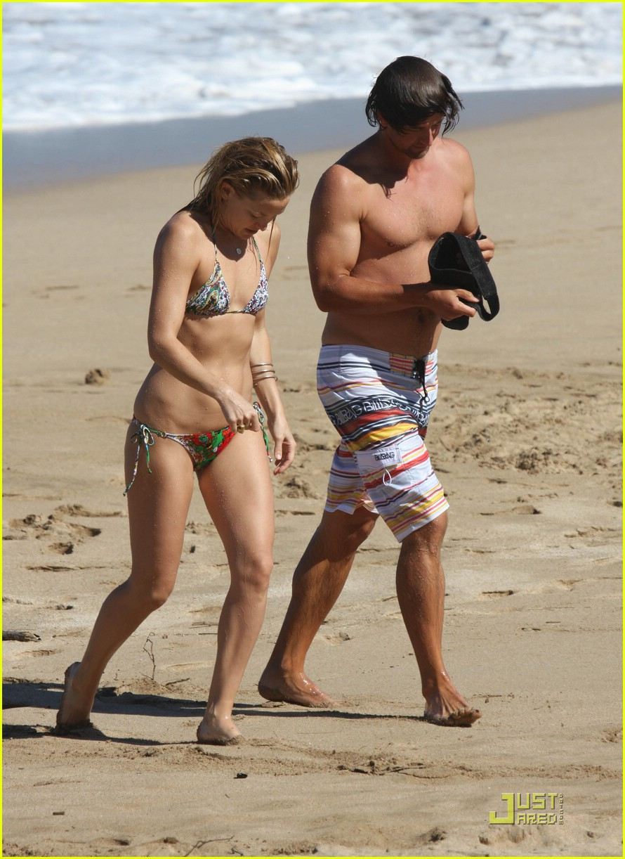 kate hudson adam scott hawaii 05
