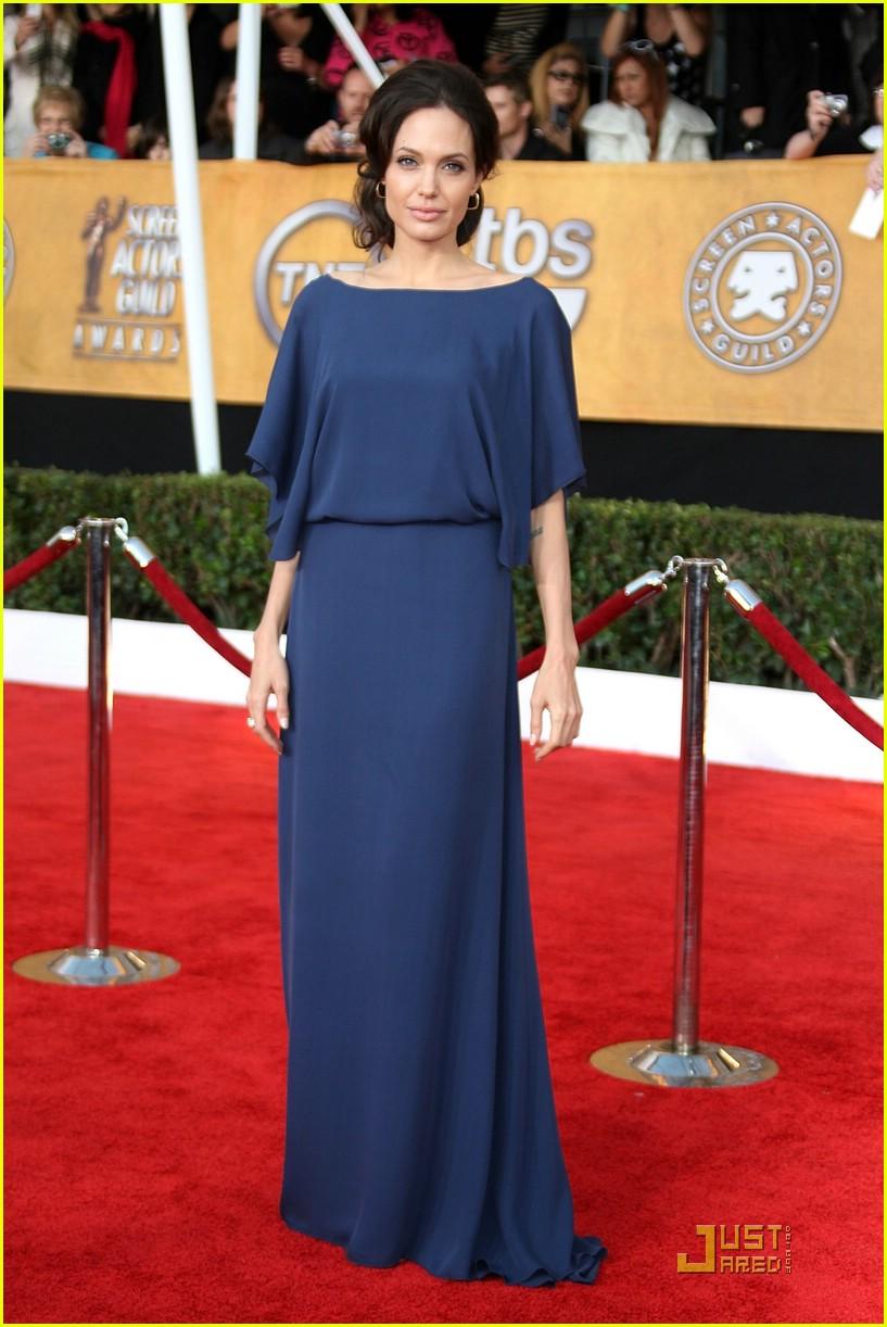 Angelina Jolies Backwards Dress Explained Photo 1686961 Jolie Clothing Dakota Long Fashion Faceoff Pictures Just Jared