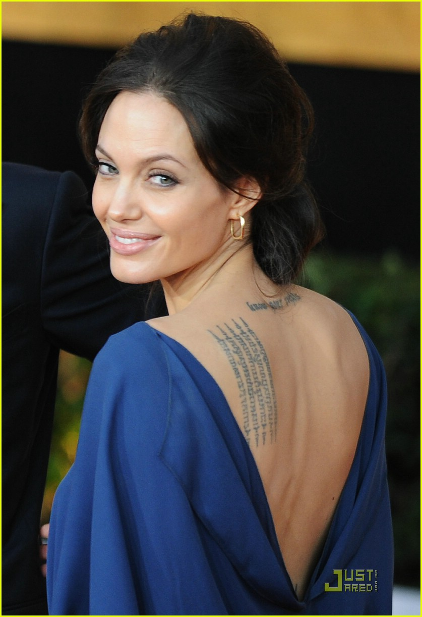 angelina jolie backwards dress sag awards 021686841