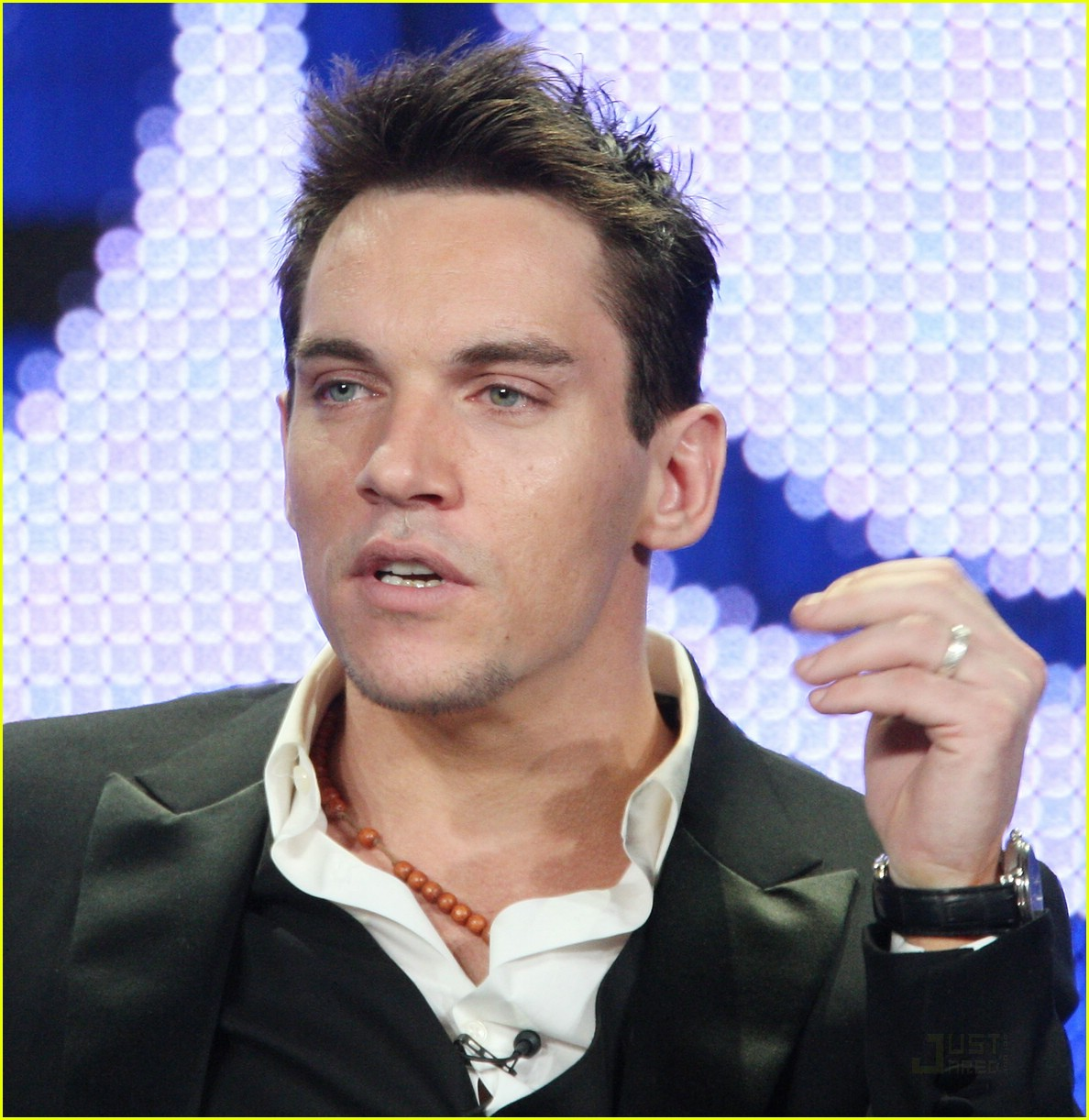 jonathan rhys meyers showtime tcas 09