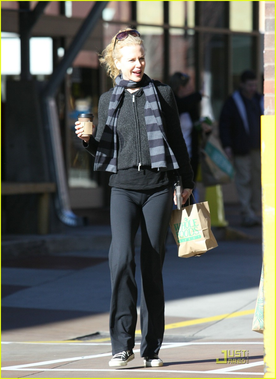 nicole kidman new year yoga 101650181
