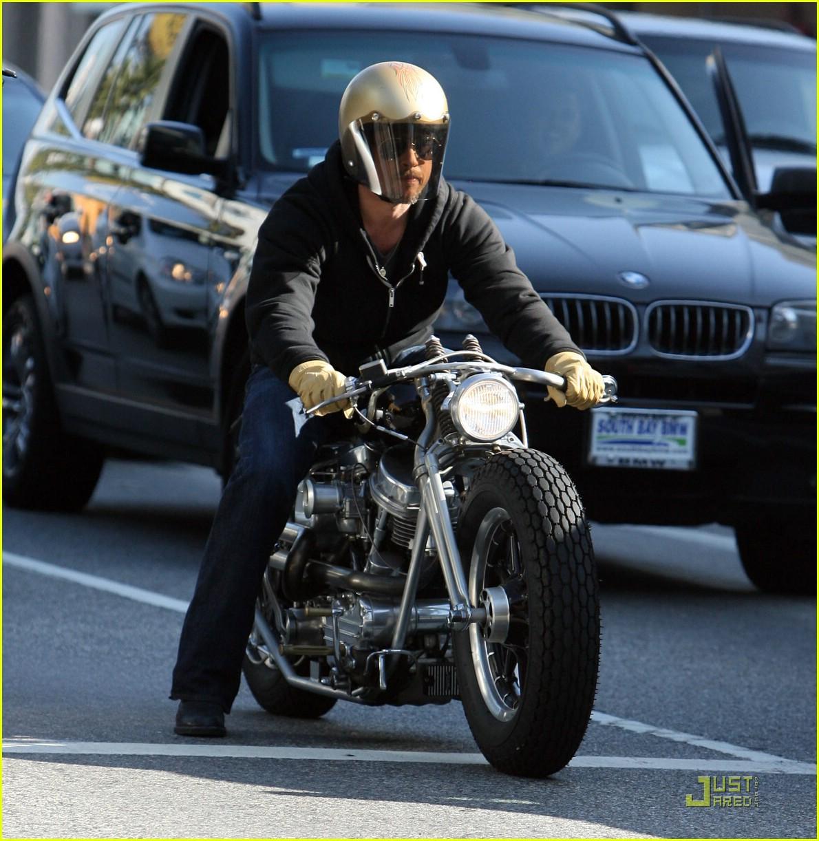 brad pitt motorcycle helmet 011638491